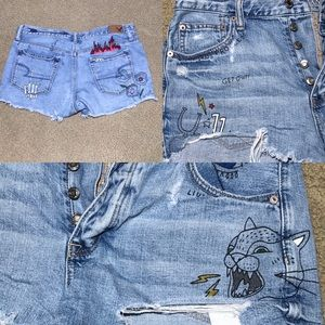American Eagle Vintage Hi-Rise Ripped Button Fly